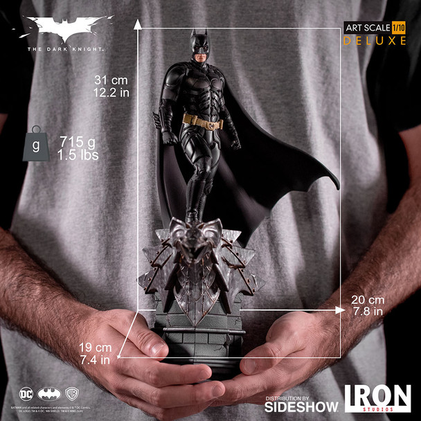 Batman Deluxe 1:10 Scale Statue by Iron Studios