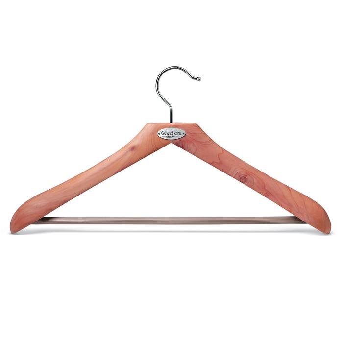 Woodlore Classic Cedar Hanger