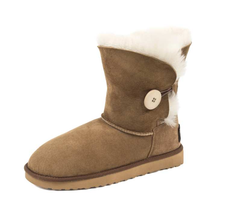 shearling boots sand color