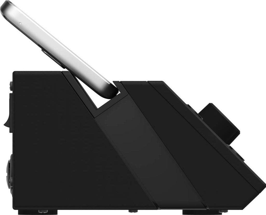Mackie Pro DX8 wireless mixer