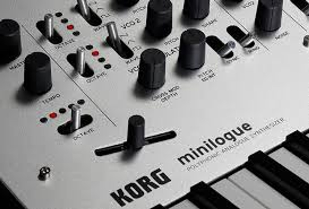Korg MINILOGUE 4-Voice Polyphonic Analog Synth w/ Presets
