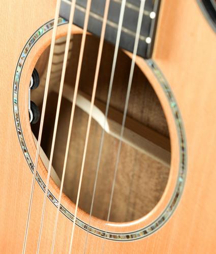 Breedlove Solo Concert CE - Red Cedar/Ovangkol