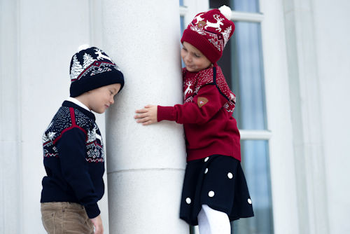 dale-christmas-kids-sweater-hats-b-c-xx.jpg