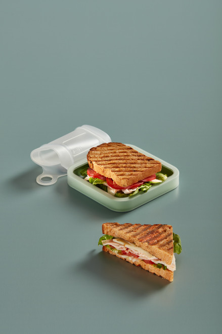Lékué Reuse & Reduce Collection - Silicone Reusable Sandwich Case - Clear and Mint (DL 3401700B04U004)