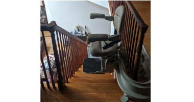 Custom Curve Stairlift | Interlochen Michigan