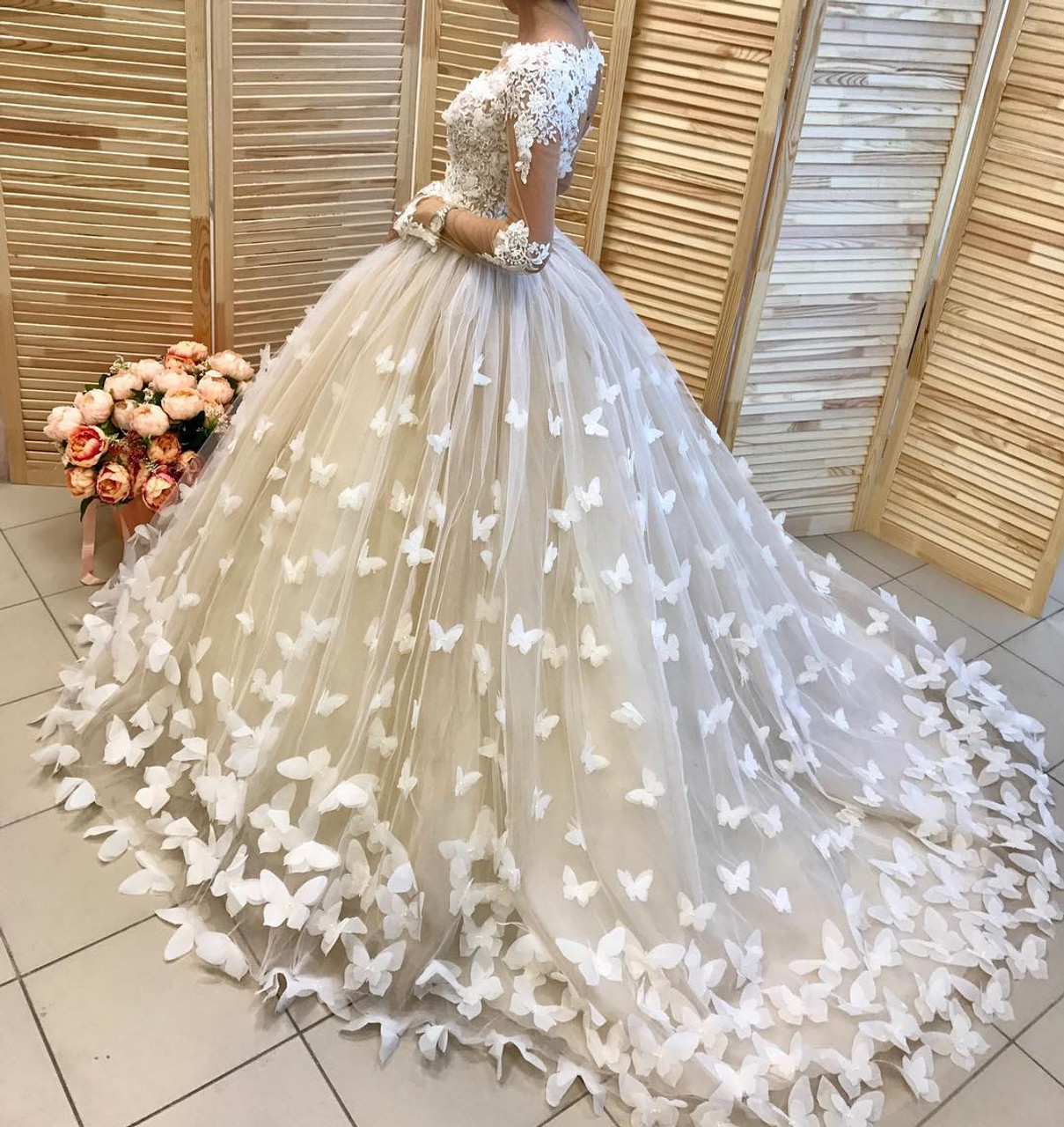 Amazing Butterfly Ball Gown Long Sleeves Wedding Dress Bridal Gowns