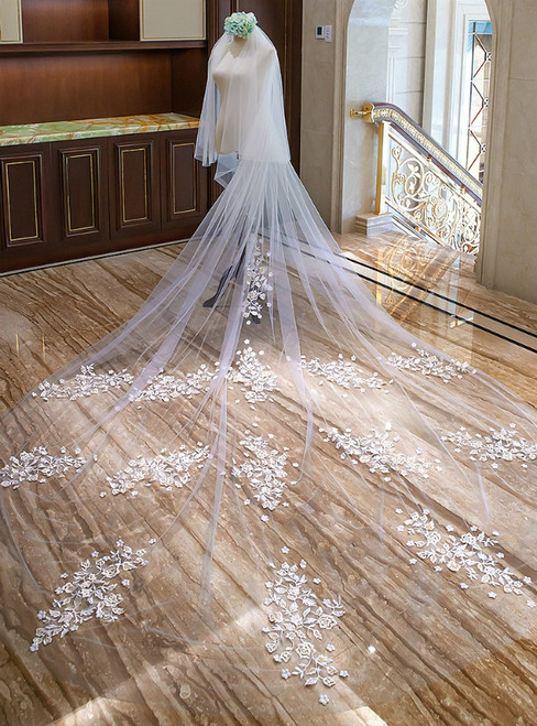 In Stock:Ship in 48 Hours White Tulle Flower Long Brides Veils