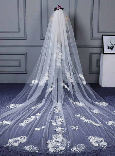 In Stock:Ship in 48 Hours Head Yarn Applique Lace White Veils
