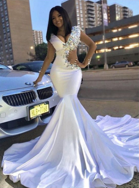 Trumpet/Mermaid White V-neck With Rhinestone Long Prom Dresses