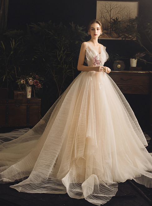 Champagne Tulle V-neck Backless Appliques Wedding Dress With Train