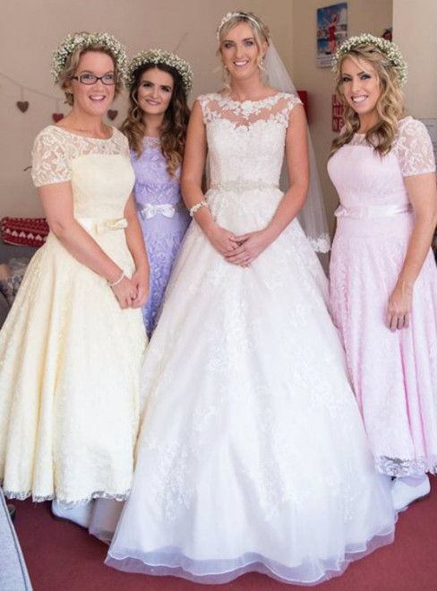 Ankle-length Lace Bridesmaid Dress with a Feminine Bow