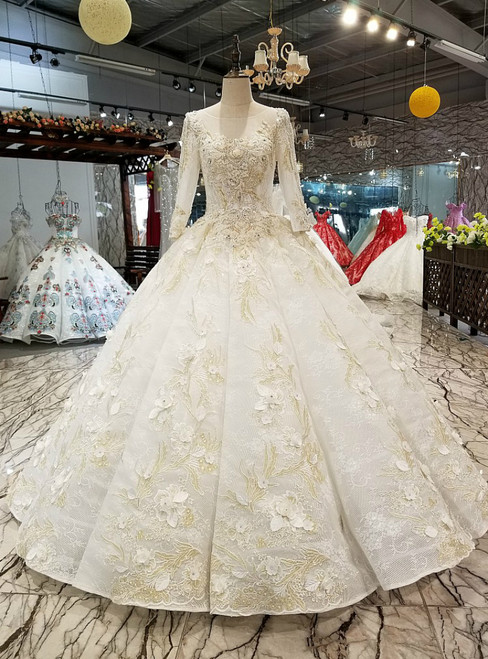 Light Champagne Tulle Lace Appliques 3/4 Sleeve Luxury Wedding Dress With Beading