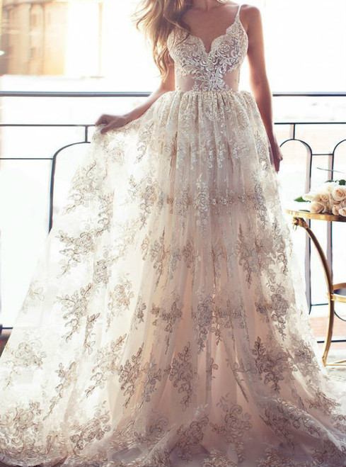 Spaghetti Straps Low Back Summer Wedding Dress Boho Bridal Gown with Appliques Lace