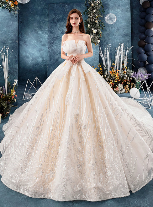 Champagne Tulle Sequins Sweetheart Neck Sleeveless Wedding Dress With Train
