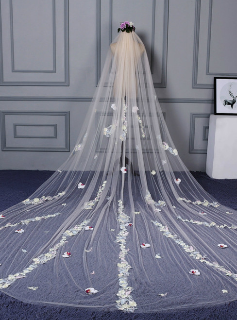 In Stock:Ship in 48 Hours Champagne Tulle Flower Wedding Veil