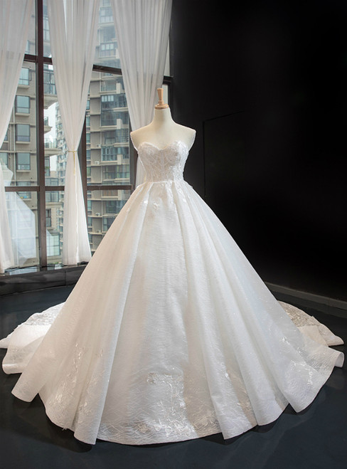White Ball Gown Tulle Appliques Sweetheart Sleeveless Wedding Dress