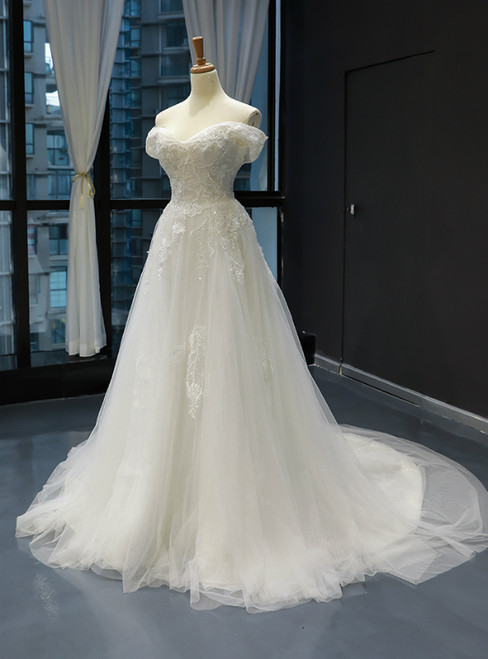 White Tulle Appliques Off the Shoulder Wedding Dress With Beading