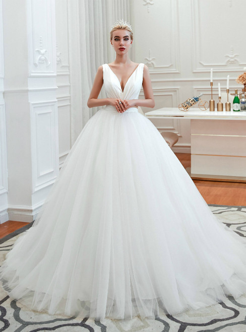 White Ball Gown V-neck Backles Tulle Pleats Wedding Dress