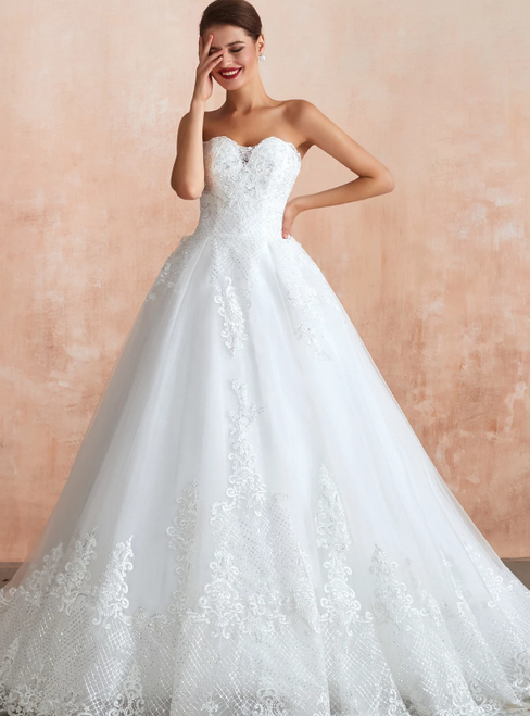 White Ball Gown Tulle Lace Appliques Sweetheart Sequins Wedding Dress