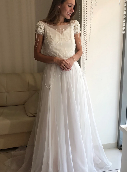 A-Line White Tulle Short Sleeve Beading Backless Wedding Dress
