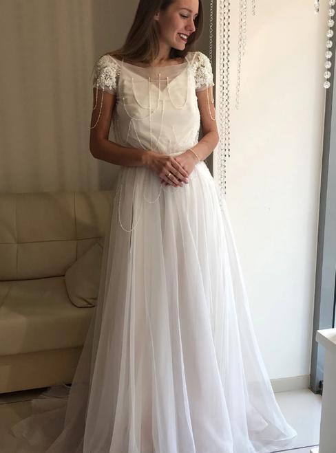 A-Line White Tulle Short Sleeve Beading Backless Wedding Dress