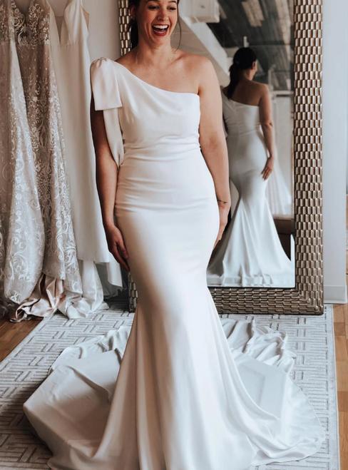White Mermaid Chiffon One Shoulder Wedding Dress With Train