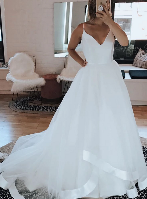 A-Line White Tulle Spaghtti Straps Long Wedding Dress