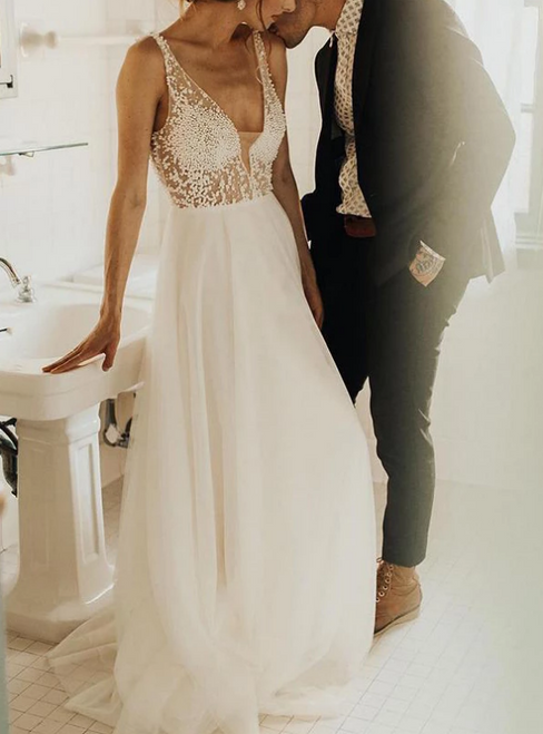 A-Line White Tulle Deep V-neck Backless Wedding Dress With Beading