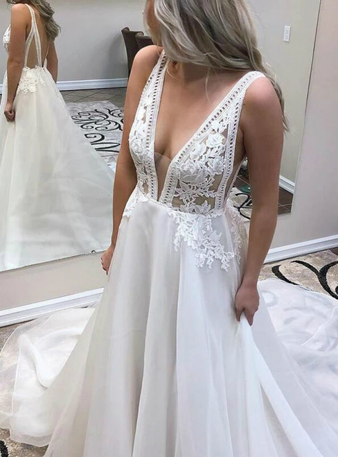 White Chiffon Deep V-neck Backless Appliques Wedding Dress