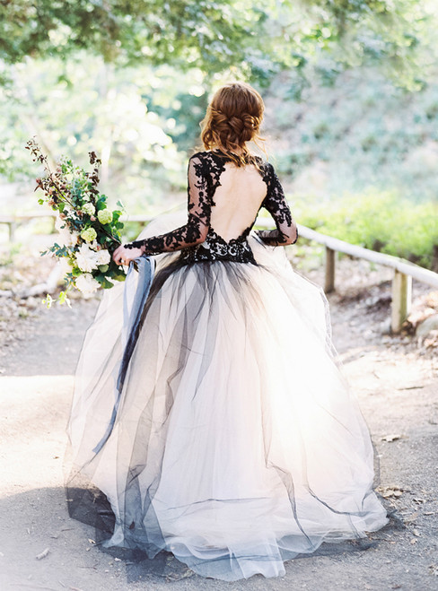 Black Ball Gown Tulle Lace Appliques V-neck Long Sleeve Wedding Dress
