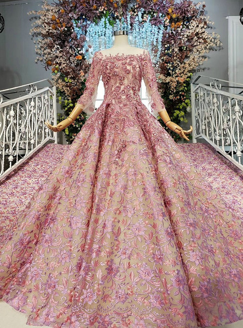 Romantic Pink Ball Gown Embrodiery Lace 3/4 Sleeve Beading Wedding Dress With Long Train