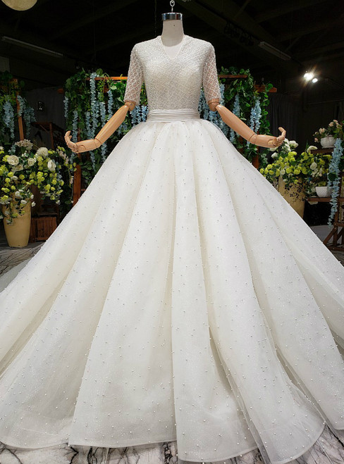 Light Champagne Tulle V-neck Short Sleeve Backless Wedding Dress With Pearls