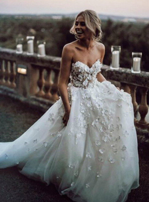 White Tulle Sweetheart Handmade Flowers Wedding Dress