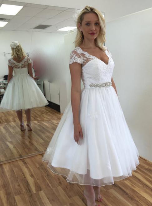 A-Line White Tulle Lace Appliques V-neck Cap Sleeve Tea Length Wedding Dress
