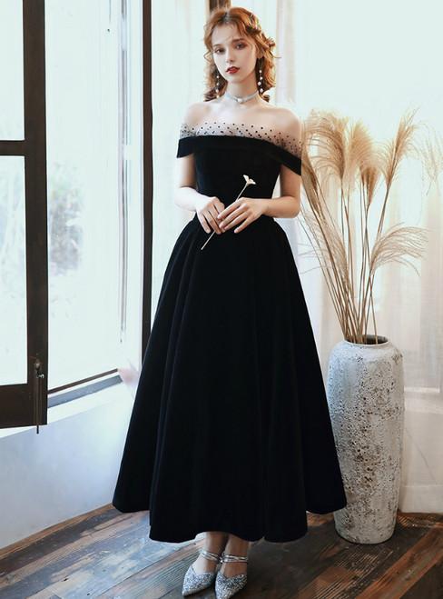 A-Line Black Velvet Off the Shoulder Short Prom Dress 2020