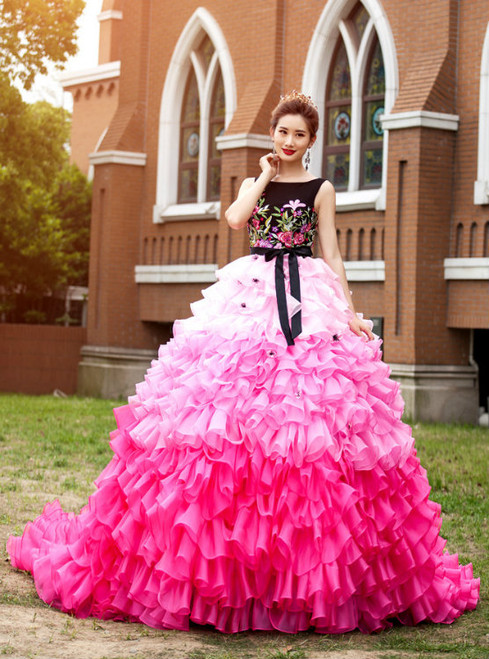 Colorful Ball Gown Wedding Dresses Scoop Neck Ruffles Tiers Organza Skirt Long