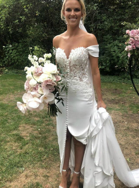 Sexy White Mermaid Satin Off the Shoulder Appliques Wedding Dress 2020