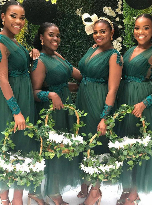 Green Tulle Long Sleeve Appliques V-neck Bridesmaid Dress 2020