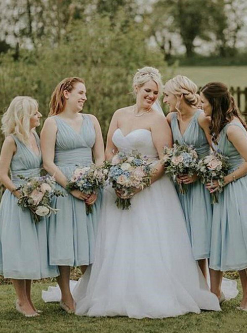 A-Line Blue Chiffon Deep V-neck Pleats Bridesmaid Dress 2020