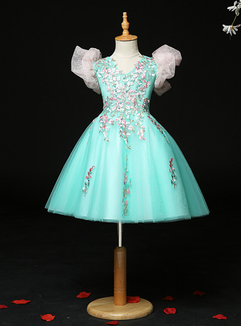 You'll Always Remember Wearing Green Tulle V-neck Embrodiery Appliques Flower Girl Dress