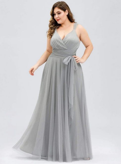 Take Center Stage In Plus Size Gray Tulle V-neck Plests Sleeveless Prom Dress