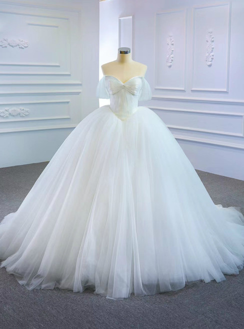 Purchase Your Favorite Fashion White Ball Gown Tulle Sweetheart Pleats Wedding Dress