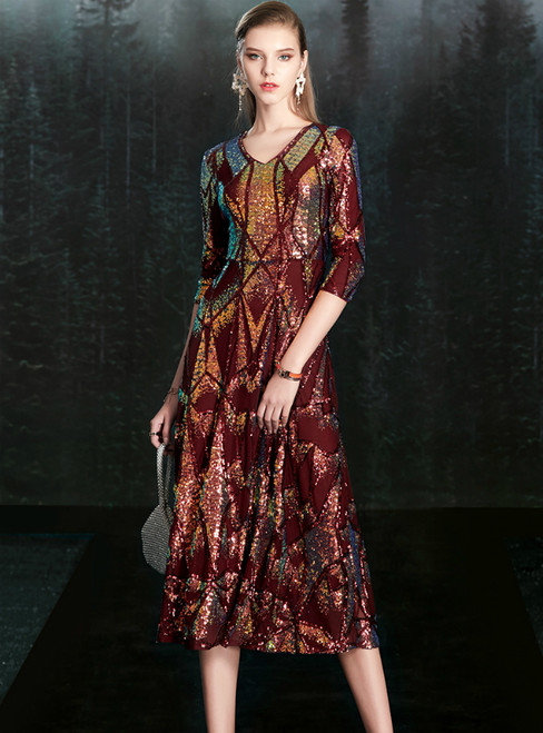 Discover The Latest A-Line Burgundy Sequins V-neck 3/4 Sleeve Mother Of The Bride Dress