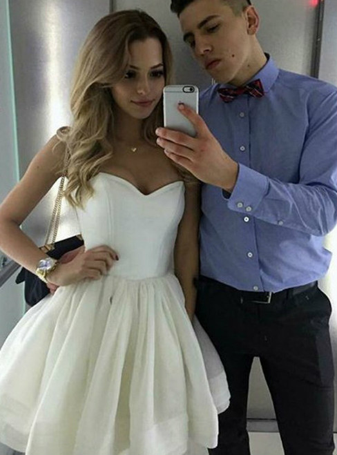 Simple Ball Gown Sweetheart Backless White Short Homecoming Dress With Pleats