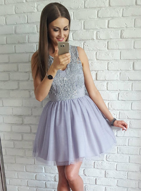 Elegant A-Line V-Neck Sleeveless Short Homecoming Dress With Appliques