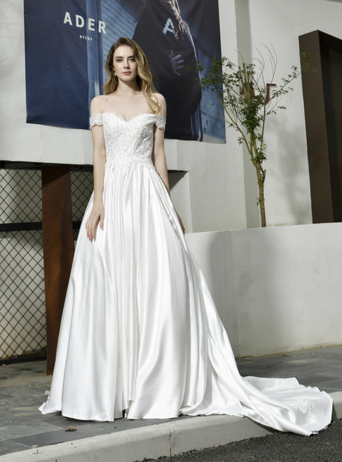 Fashion White Ball Gown Satin Off the Shoulder Appliques Wedding Dress