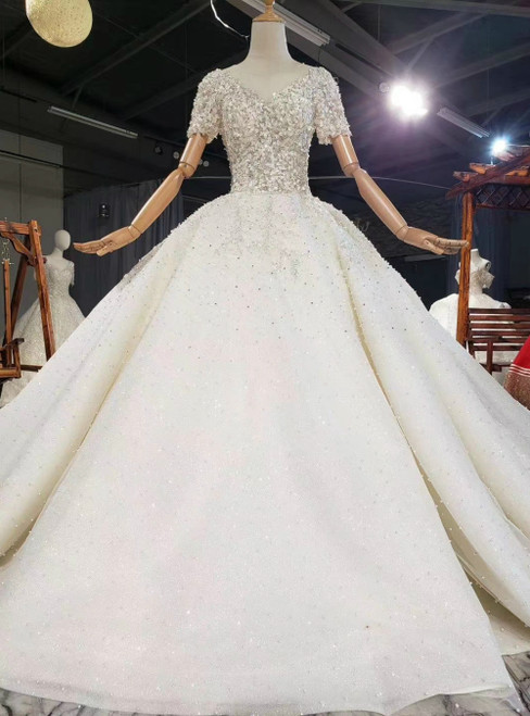 Find The Perfect Light Champagne Tulle Short Sleeve Backless Appliques Beading Wedding Dress