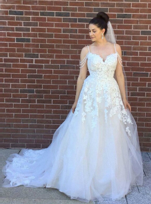 Ivory Tulle Spagehtti Straps Appliques Backless Wedding Dress