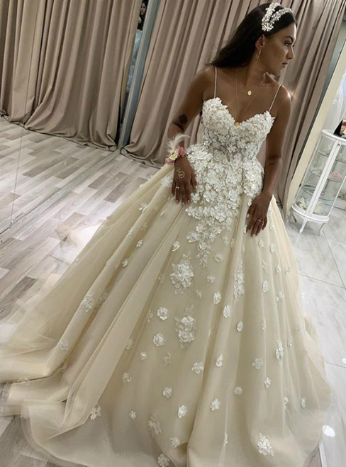 Low Price Guarantee Champagne 3D Appliques Spagehtti Straps Backless Wedding Dress