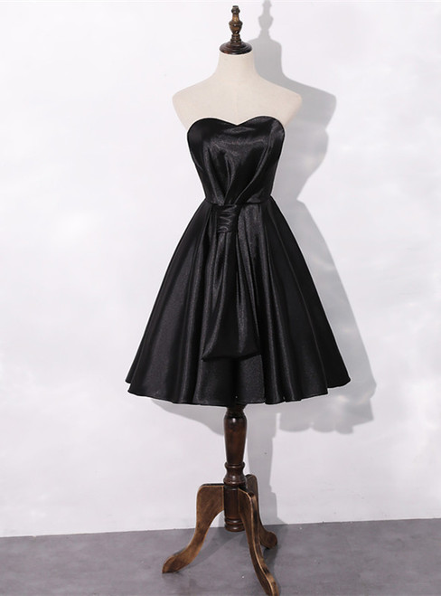 A-Line Black Satin Sweetherat Pleats Homecoming Dress